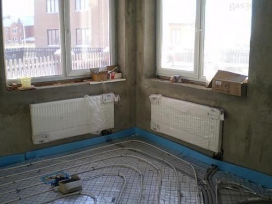 Комбинация радиаторного отопления с системой «теплый пол».