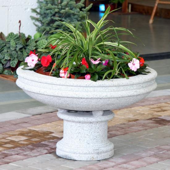 Купить пластиковый уличный вазон для цветов