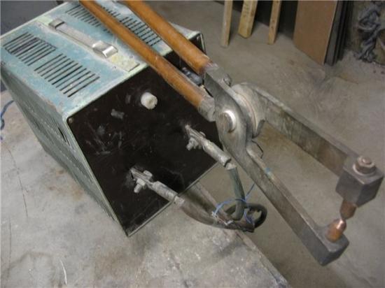 Бытовой аппарат точечной сварки