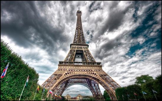 И сегодня заслуженно считается символом Франции