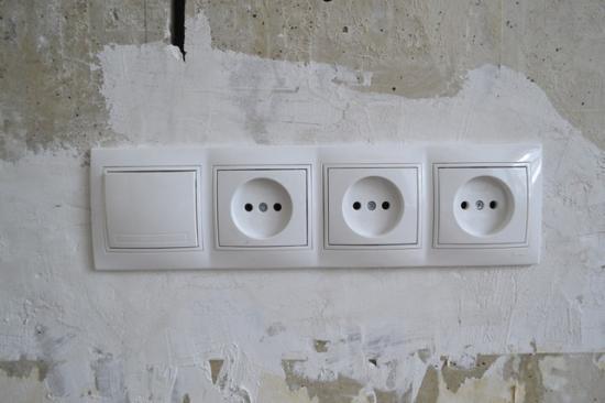 Розетки с выключателем