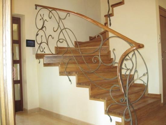 Картинки лестницы на второй этаж частного дома