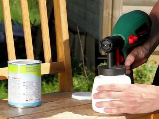 Водоэмульсионные краски разводят, как правило водой
