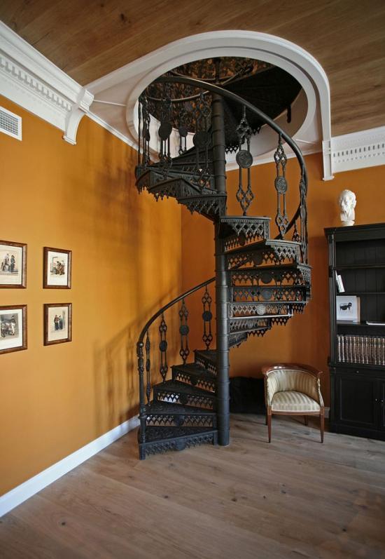 Кованые металлические лестницы