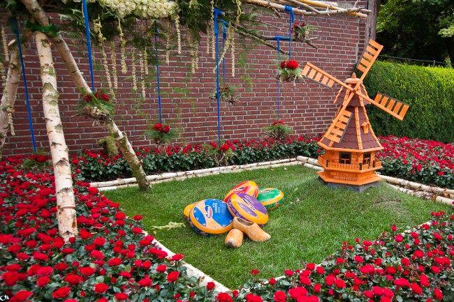 Декоративная садовая мельница
