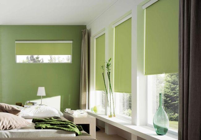 Рулонные шторы изготавливаются из специальных тканей
