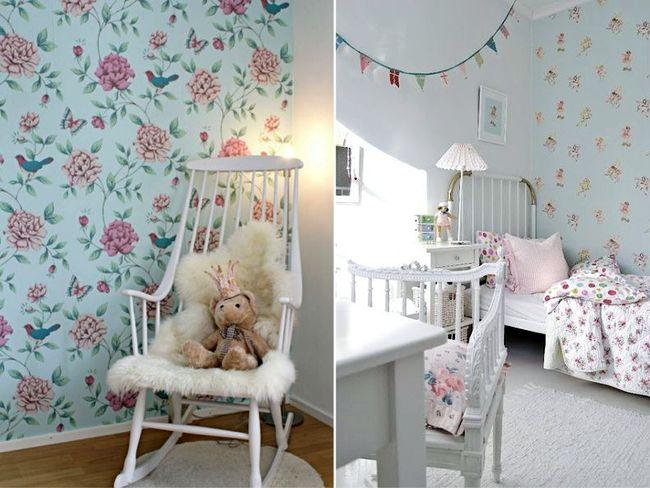 Обои голубого цвета в интерьере детской комнаты девочки