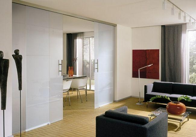 Стеклянные перегородки в квартире – лучший способ зонирования