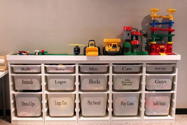 Пластиковые выдвижные ящики