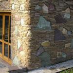 otdelka-fasada-naturalnym-kamnem