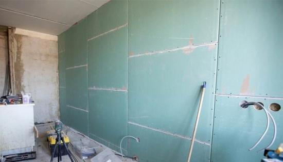 ГКЛ могут монтироваться на стены высотой до 12 метров