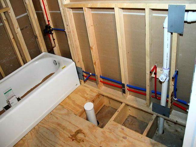 Применение необработанной древесины в ванной крайне нежелательно