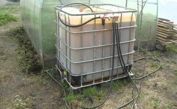 вода подается в систему полива