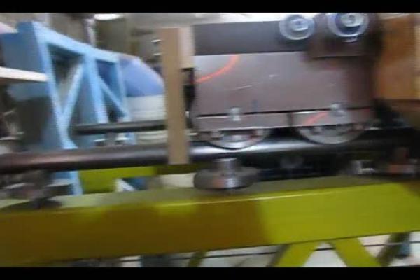 крепкая станина из металла